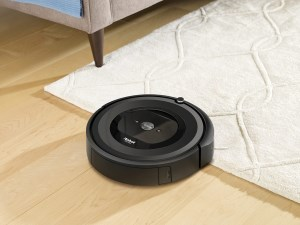 Home cleaning made easy with iRobot's new Roomba e5 article image